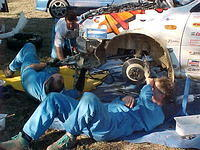 +000505 12 The WA WRX crew fixing the front end damage